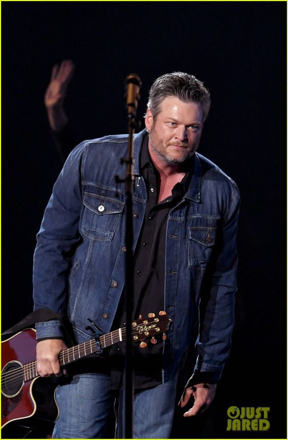 blake shelton weight
