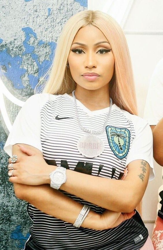 Nicki Minaj Height Weight, Age and Full Body Measurement