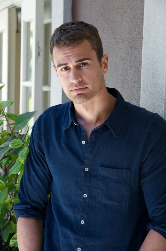 theo james weight
