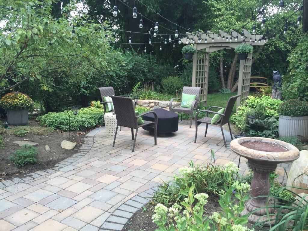 How to Create Small Backyard Oasis on a Budget - 2020 ...